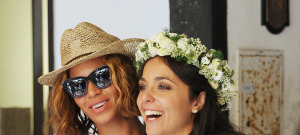 Beyonce & Jay-Z Crash A Wedding In Portofino