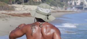 Cuba Gooding Jr. Enjoys Labor Day On The Beach