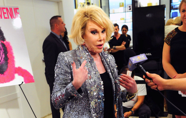 joan-rivers-mic