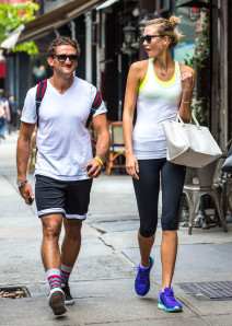 Karlie Kloss Out For A Stroll In NYC