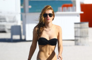 Bella Thorne Soaks Up The Sun In Miami