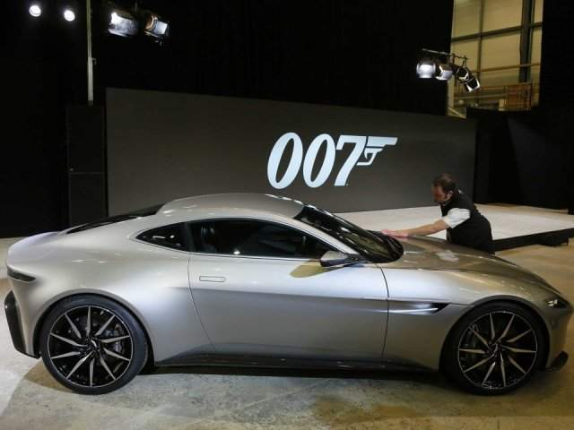 James Bond Spectre Aston Martin DB10