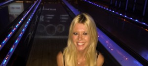 Tara Reid in her bra bowling referencing The Big Lebowski 02