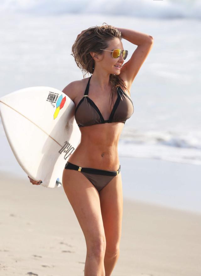 com bikini news