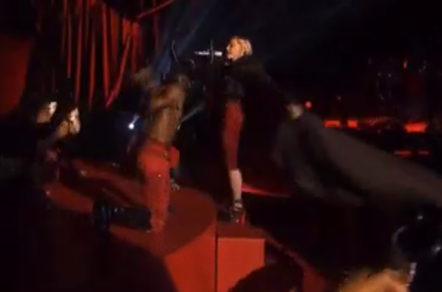 madonna falling offstage at brit awards