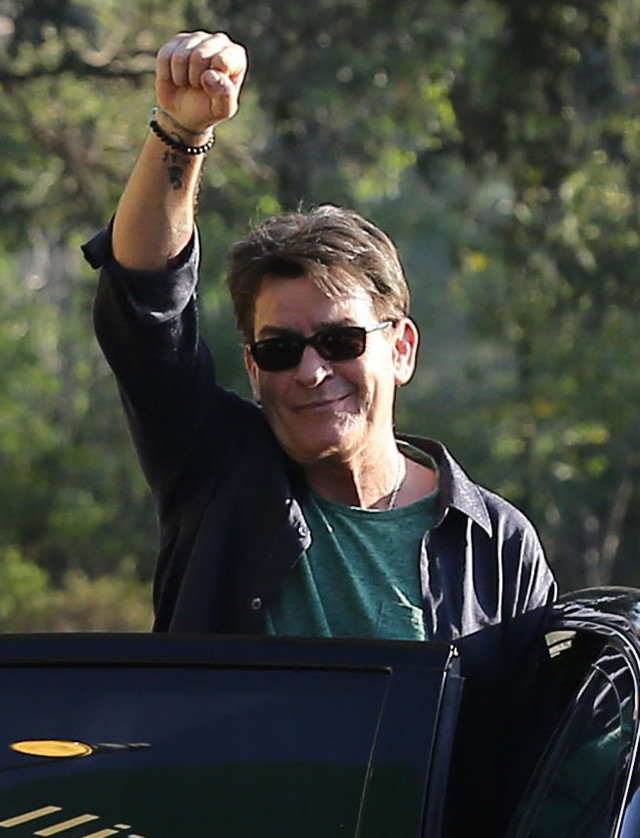 Exclusive... Charlie Sheen & Friends Enjoy A Day Of Drinking And Shopping