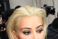 Kim Kardashian Shows Off Her New Blonde Hair