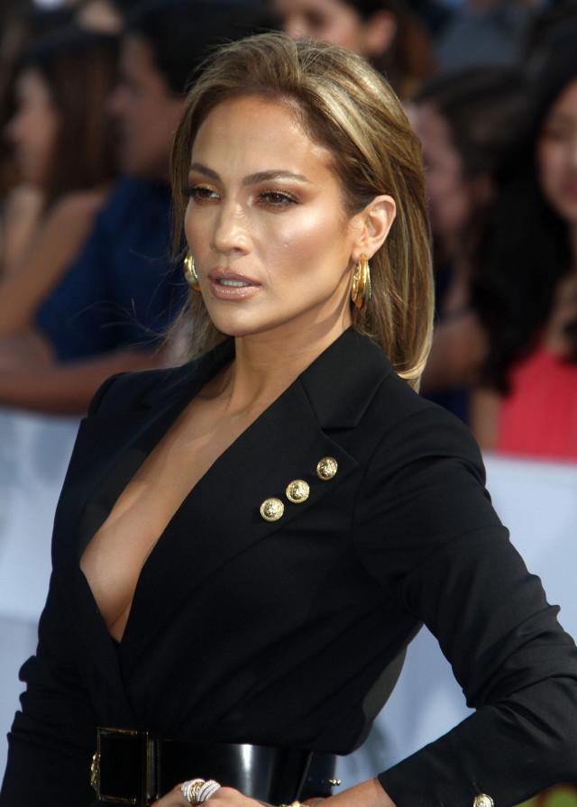 Jennifer Lopez at The 2015 MTV Movie Awards in LA | 193858 | Photos ...