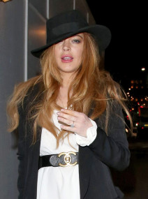 "Exclusive... 51721529 ""Mean Girls"" star Lindsay Lohan enjoys a night out at Hakkasan in London, England on April 23, 2015. Lindsay showed off a large ring on her ring finger (along with cigarette stains on her other fingers). FameFlynet, Inc - Beverly Hills, CA, USA - +1 (818) 307-4813 RESTRICTIONS APPLY: USA ONLY"