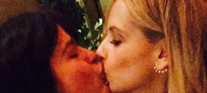Sarah Michelle Gellar Selma Blair Recreate Cruel Intentions Kiss
