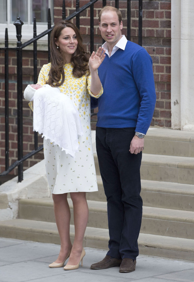 51728485 The Duke and Duchess of Cambridge outside St Mary's hospital with their new born baby girl in London, UK on May 2, 2015. The Duke and Duchess of Cambridge outside St Mary's hospital with their new born baby girl in London, UK on May 2, 2015. Pictured: Prince William, Kate Middleton FameFlynet, Inc - Beverly Hills, CA, USA - +1 (818) 307-4813 RESTRICTIONS APPLY: USA ONLY