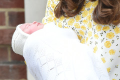 51728587 The Duke and Duchess of Cambridge outside St Mary's hospital with their new born baby girl in London, UK on May 2, 2015. The Duke and Duchess of Cambridge outside St Mary's hospital with their new born baby girl in London, UK on May 2, 2015.  Pictured: Kate Middleton FameFlynet, Inc - Beverly Hills, CA, USA - +1 (818) 307-4813 RESTRICTIONS APPLY: USA ONLY