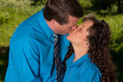 Jim Bob Michelle Duggar Kissing Challenge