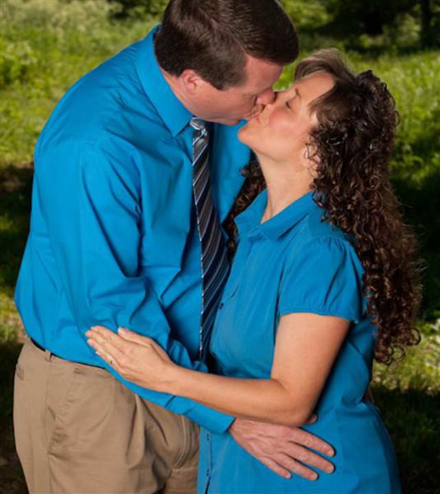 Jim Bob Michelle Duggar Kissing Challenge