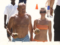 """Exclusive... 51783341 """"Boss"""" star Kelsey Grammer and his wife Kayte enjoy refreshing coconuts as they take a dip in the ocean while vacationing on June 26, 2015 in Miami, Florida. The pair shared a romantic kiss in the waves before heading back to their hotel. FameFlynet, Inc - Beverly Hills, CA, USA - +1 (818) 307-4813"""