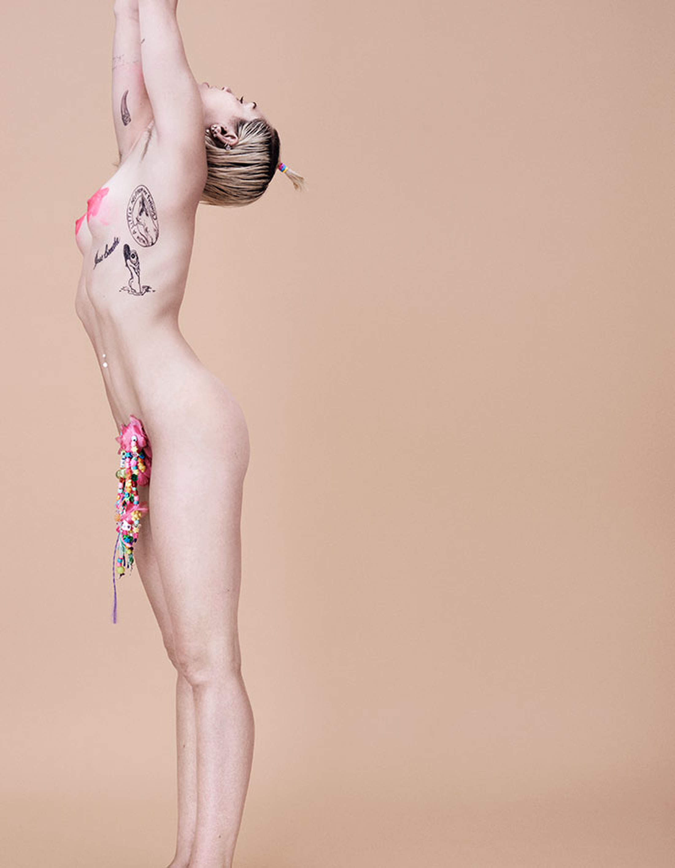 Miley Cyrus Poses Nude for Paper Magazine | 195493 | Photos | The ...: theblemish.com/photos/miley-cyrus-poses-nude-for-paper-magazine...