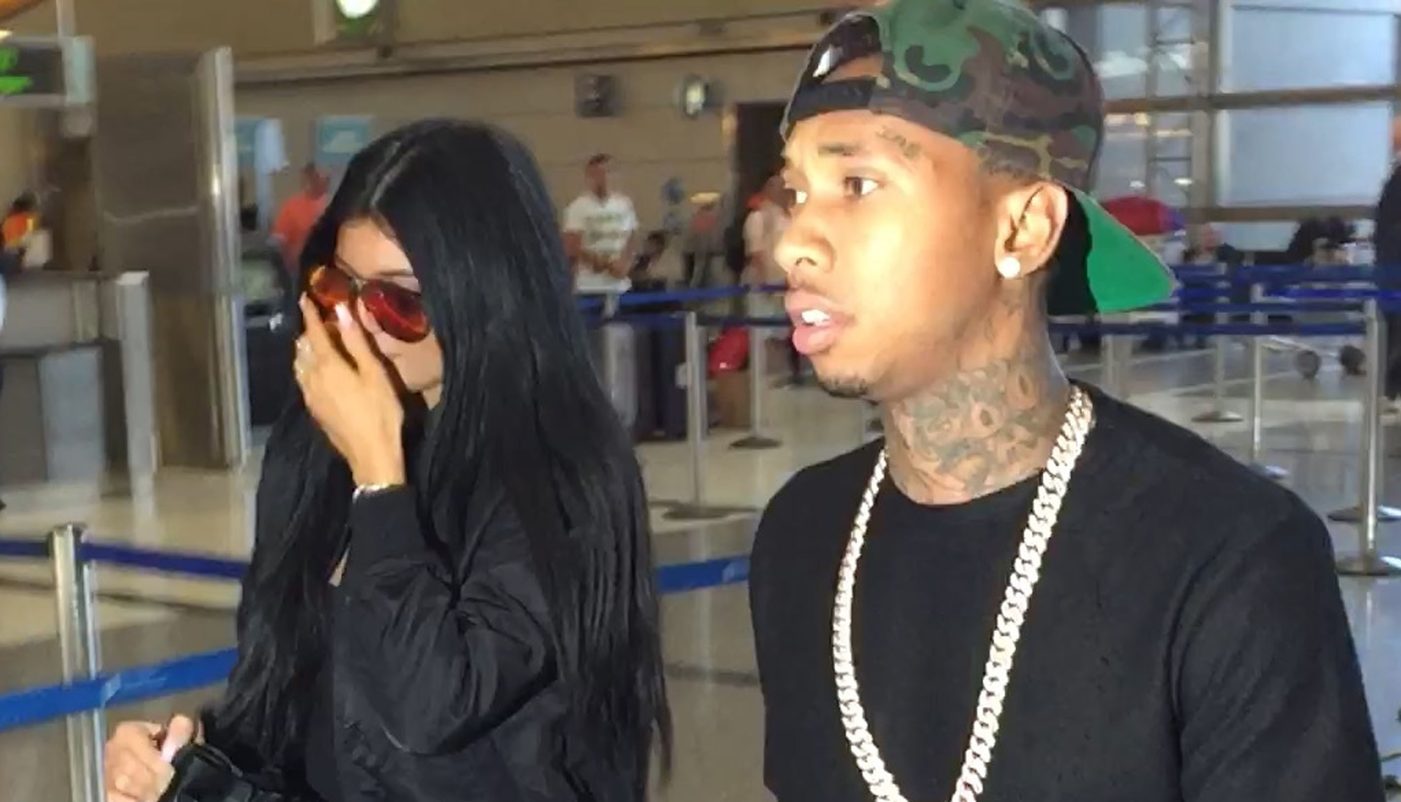 Tygas Penis Pics Leak and Texts Show Hes Cheating on