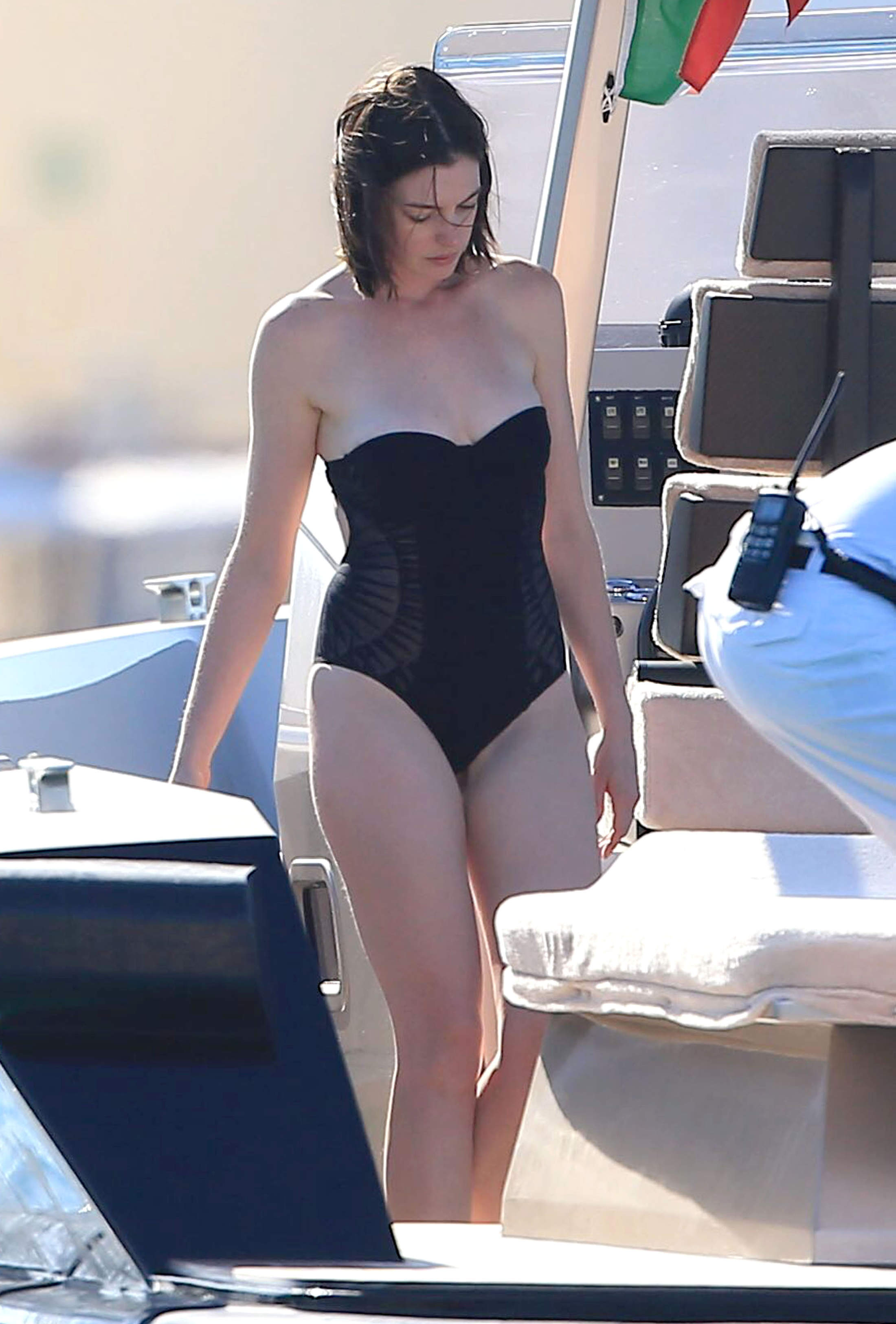 Anne hathaway shows off her boobs want some