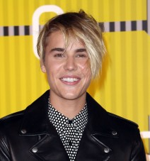 51837208 The 2015 MTV Video Music Awards held at Microsoft Theater  in Los Angeles, California on 8/31/15 The 2015 MTV Video Music Awards held at Microsoft Theater  in Los Angeles, California on 8/31/15 Justin Bieber FameFlynet, Inc - Beverly Hills, CA, USA - +1 (818) 307-4813