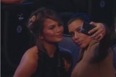 kim kardashian chrissy teigen selfie