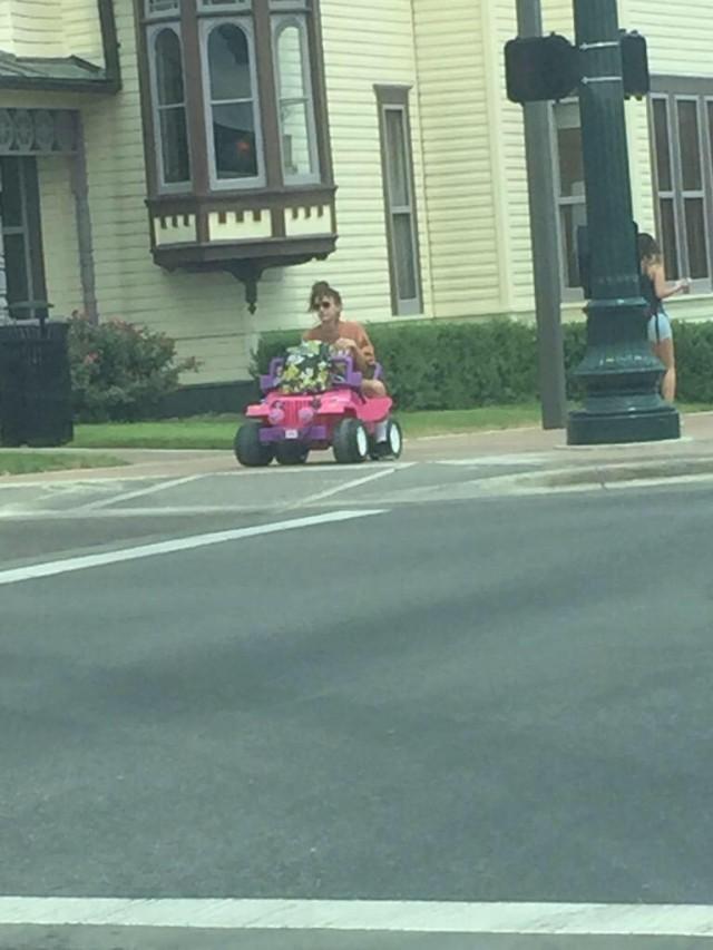 Tara Monroe Barbie Jeep Girl 02