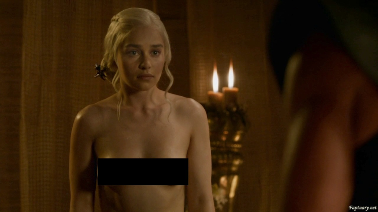Emilia plays again her ass and pussy game