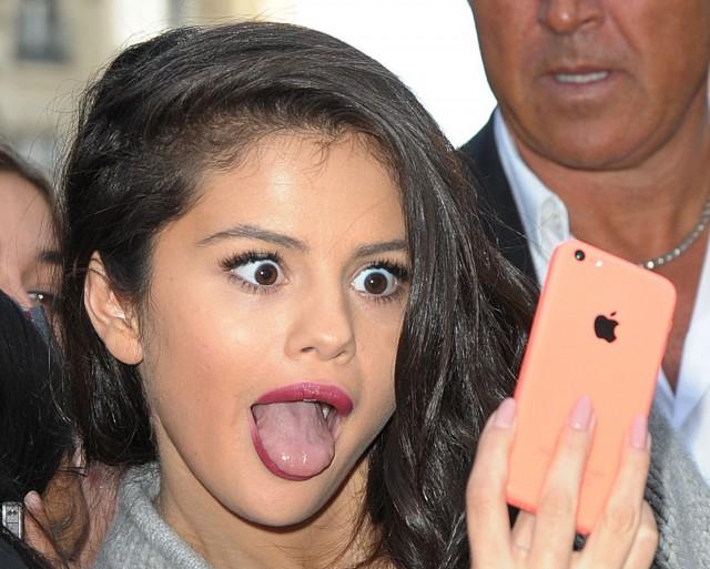 Selena Gomez Dumb Looking Face