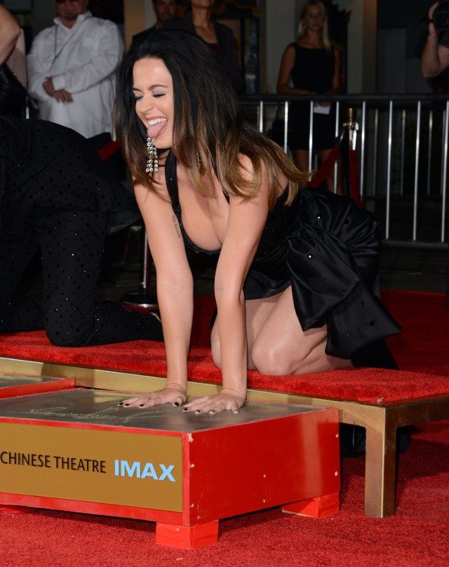 51844738 Celebrities at the Katy Perry and Jeremy Scott Hand Print Ceremony and 'Jeremy Scott: The People's Designer' premiere at the TCL Chinese Theatre in Hollywood, California on September 8, 2015. Celebrities at the Katy Perry and Jeremy Scott Hand Print Ceremony and 'Jeremy Scott: The People's Designer' premiere at the TCL Chinese Theatre in Hollywood, California on September 8, 2015.  Pictured: Katy Perry FameFlynet, Inc - Beverly Hills, CA, USA - +1 (818) 307-4813 RESTRICTIONS APPLY: NO FRANCE