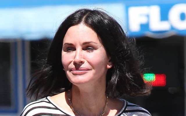 Courteney Cox Rushing To Get More Plastic Surgery Before