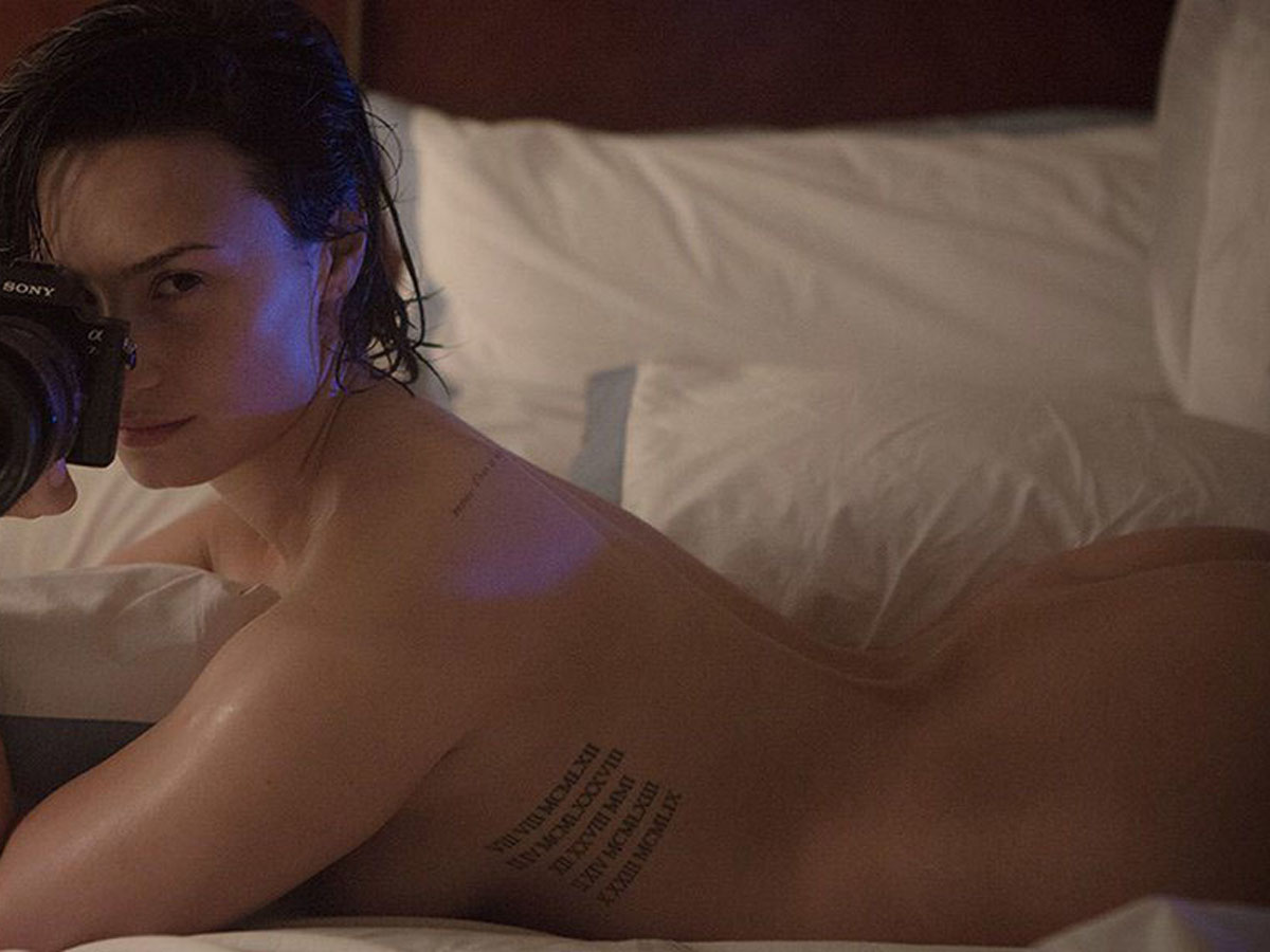 real naked images of demi lovato