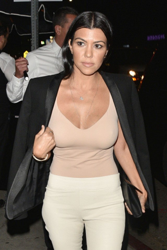 Kourtney kardashian enjoys a night out in los angeles for What does kourtney kardashian do