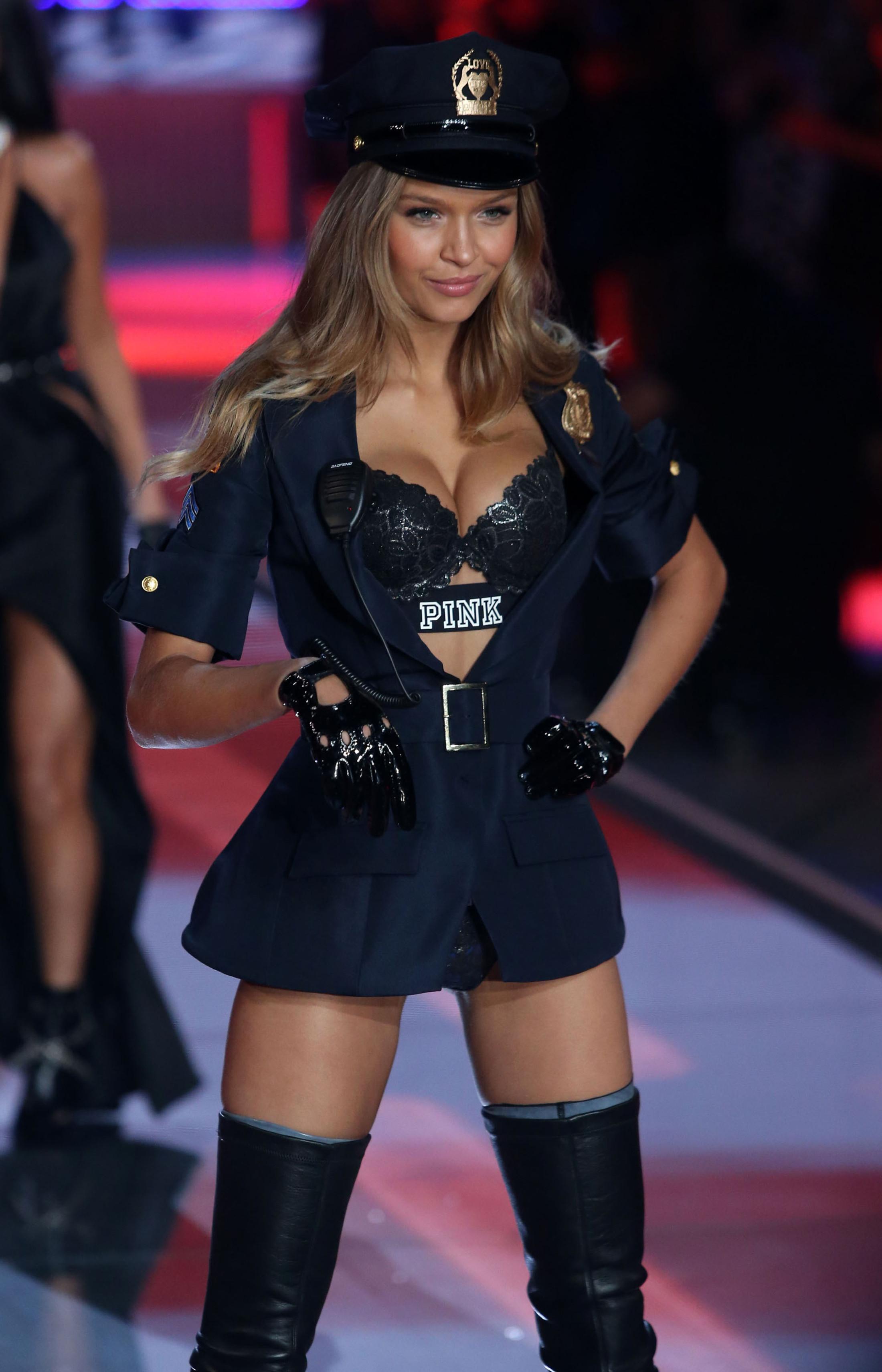 2015 Victoria's Secret Fashion Show - Runway | 201345 ...