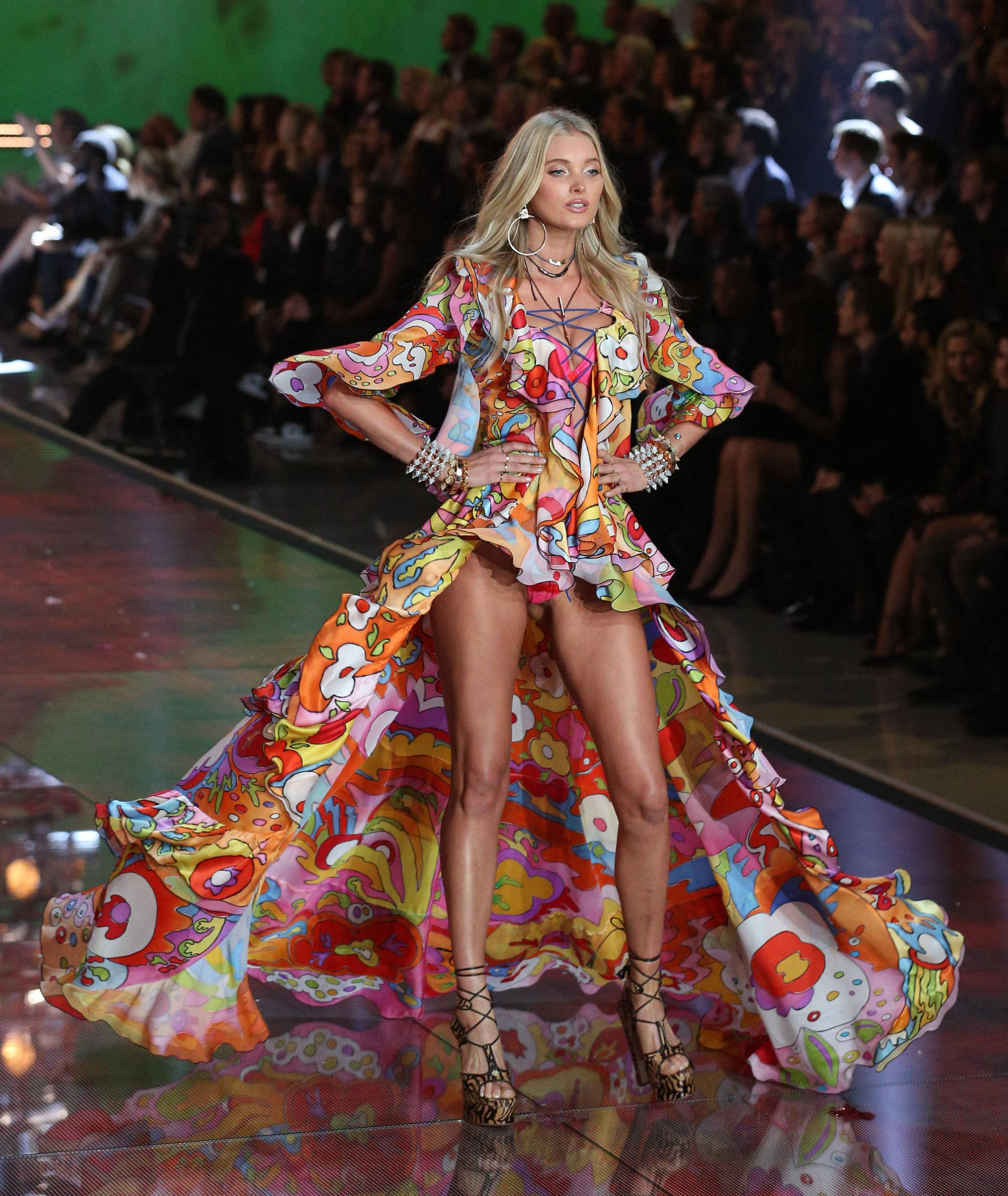 2015 s secret fashion show runway 201364
