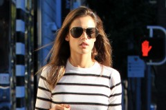 51910193 Model and busy mother Alessandra Ambrosio spotted out and about in Beverly Hills, California on November 16, 2015. FameFlynet, Inc - Beverly Hills, CA, USA - +1 (818) 307-4813