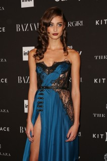51852281 Celebrities attend the Harper's Bazaar 'Icons' event in New York City on September 16, 2015.  Celebrities attend the Harper's Bazaar 'Icons' event in New York City on September 16, 2015.  Pictured: Taylor Hill FameFlynet, Inc - Beverly Hills, CA, USA - +1 (818) 307-4813 RESTRICTIONS APPLY: USA ONLY