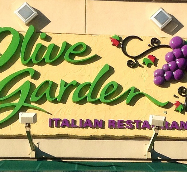 olive garden is charging 400 a person for nye dinner new york post ...