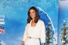 51927366 Celebrities attend the premiere of Disney On Ice's 'Frozen' at Staples Center on December 10, 2015 in Los Angeles, California.  Celebrities attend the premiere of Disney On Ice's 'Frozen' at Staples Center on December 10, 2015 in Los Angeles, California. Pictured: Alessandra Ambrosio FameFlynet, Inc - Beverly Hills, CA, USA - +1 (818) 307-4813