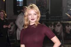 51924777 Celebrities attend the UK Film Premiere of 'The Danish Girl' on December 8, 2015 in London, United Kingdom.  Celebrities attend the UK Film Premiere of 'The Danish Girl' on December 8, 2015 in London, United Kingdom.  Pictured: Dakota Blue Richards FameFlynet, Inc - Beverly Hills, CA, USA - +1 (818) 307-4813 RESTRICTIONS APPLY: USA/CHINA ONLY