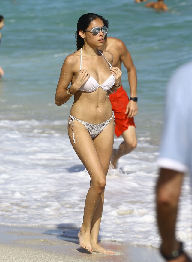 Madison Beer Shows Off Her Bikini Body In Miami | 203524 | Photos ...