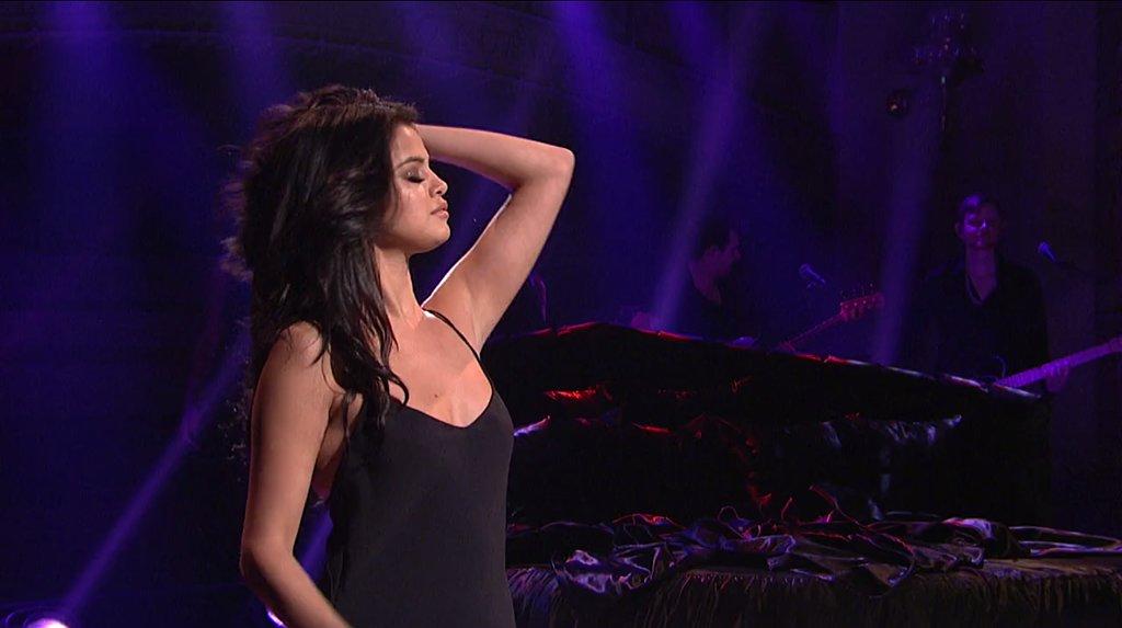 Selena Gomez   204436   Photos   The Blemish