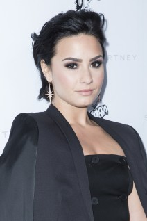 51946164 Celebrities attend the Stella McCartney Autumn 2016 Presentation at Amoeba Music on January 12, 2016 in Los Angeles, California. Celebrities attend the Stella McCartney Autumn 2016 Presentation at Amoeba Music on January 12, 2016 in Los Angeles, California. Pictured: Demi Lovato FameFlynet, Inc - Beverly Hills, CA, USA - +1 (310) 505-9876 RESTRICTIONS APPLY: USA ONLY