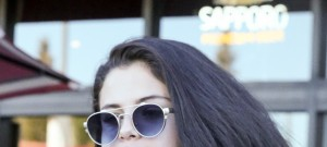 Exclusive... 51945793 Actress/singer Selena Gomez was spotted getting food with a friend in Studio City, California on January 12, 2016. Selena got a little close and personal with Charlie Puth after the Golden Globes on Sunday.  The two went to the same after party and left together, in the same car.  (Seventeen) FameFlynet, Inc - Beverly Hills, CA, USA - +1 (310) 505-9876