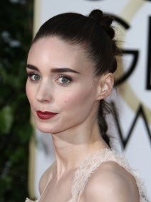 51943526 The 73rd Golden Globe Awards held at The Beverly Hilton Hotel in Beverly Hills, California on 1/10/16 The 73rd Golden Globe Awards held at The Beverly Hilton Hotel in Beverly Hills, California on 1/10/16 Rooney Mara FameFlynet, Inc - Beverly Hills, CA, USA - +1 (310) 505-9876
