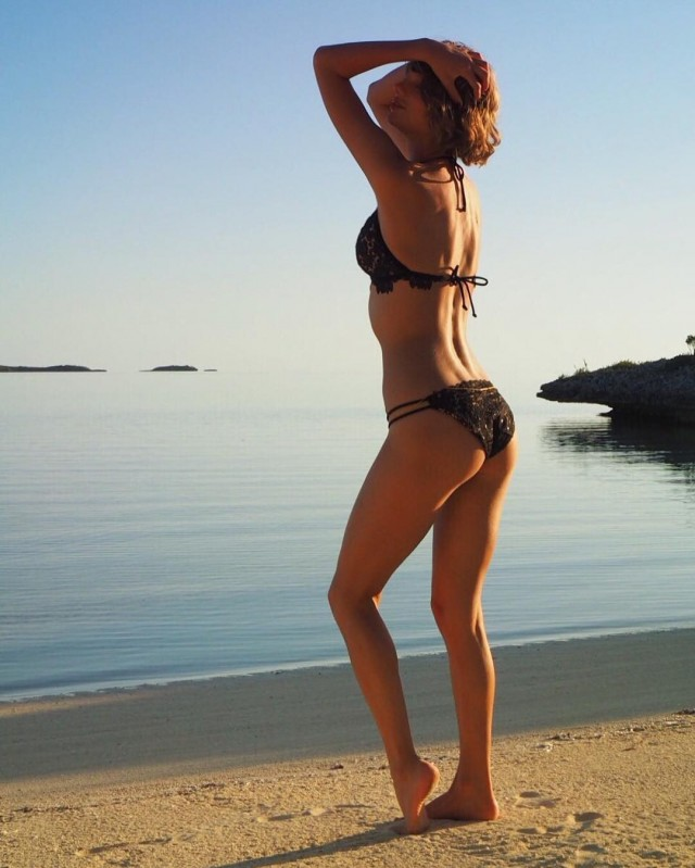 Taylor Swift in a Bikini