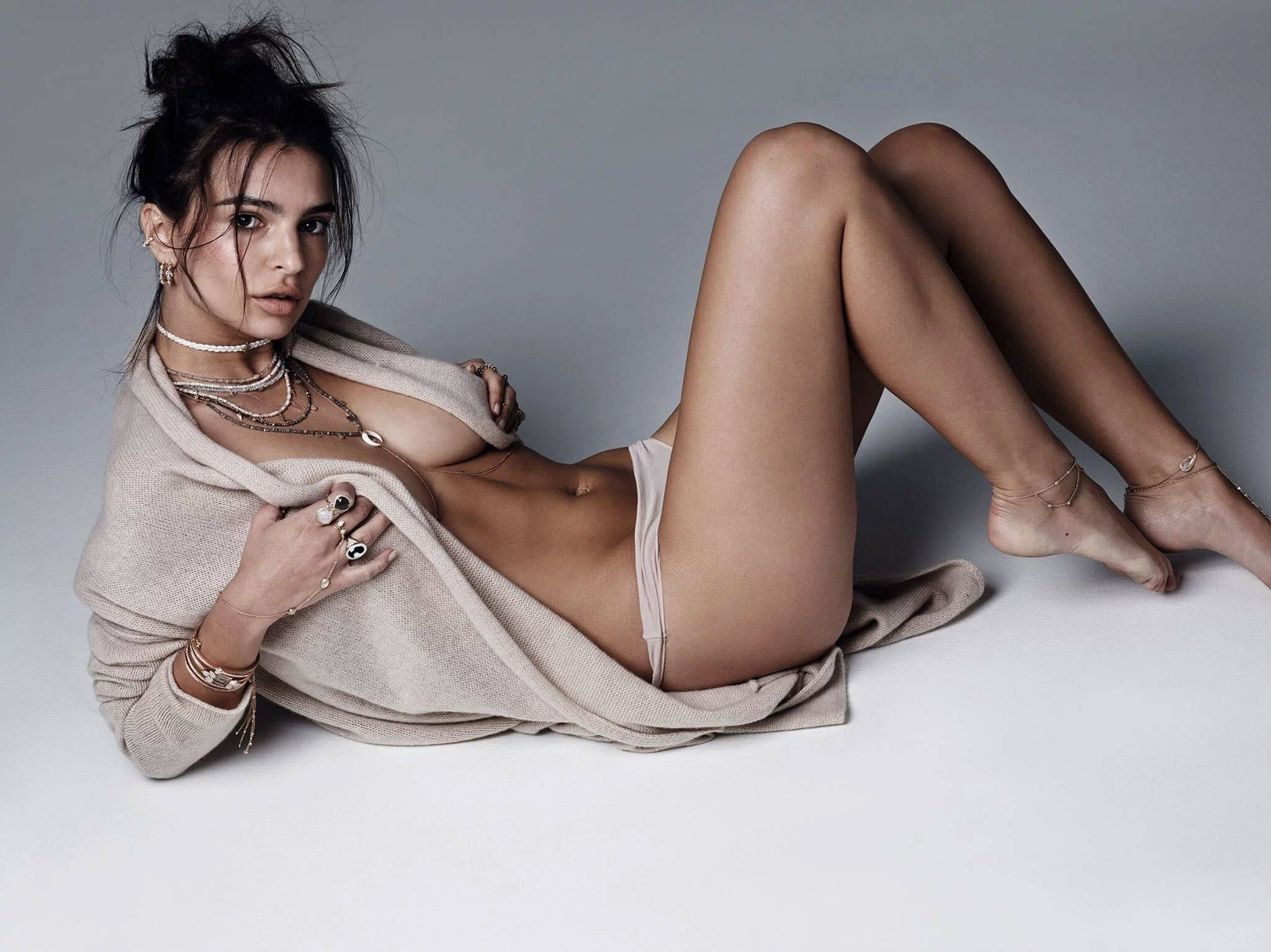Emily Ratajkowski Back To Doing Naked Pictures nude (97 images)