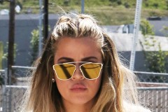 52003691 Reality star Khloe Kardashian is spotted at a studio in Van Nuys, California on March 23, 2016. Khloe recently returned from Napa where she enjoyed a wine tasting tour with her mom Kris Jenner and sister Kourtney Kardashian. FameFlynet, Inc - Beverly Hills, CA, USA - +1 (310) 505-9876
