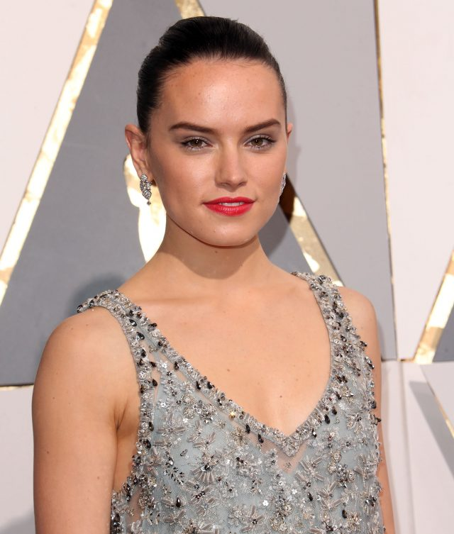 51983158 The 88th Annual Academy Awards held at Hollywood & Highland Center in Hollywood, California on 2/29/16 The 88th Annual Academy Awards held at Hollywood & Highland Center in Hollywood, California on 2/29/16 Daisy Ridley FameFlynet, Inc - Beverly Hills, CA, USA - +1 (310) 505-9876