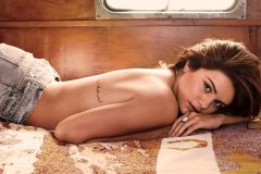 Selena Gomez covers GQ