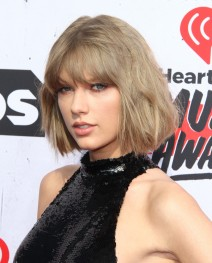 52012439 iHeartRadio Music Awards held at The Forum in Inglewood, California on 4/3/16. iHeartRadio Music Awards held at The Forum in Inglewood, California on 4/3/16. Taylor Swift FameFlynet, Inc - Beverly Hills, CA, USA - +1 (310) 505-9876
