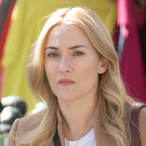 Kate Winslet Wont Sign That Naked Picture of Herself from